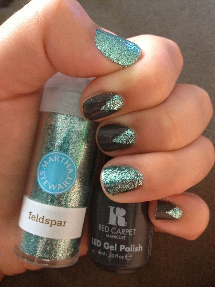Martha Stewart glitter & red carpet gel manicure | Red Carpet ...