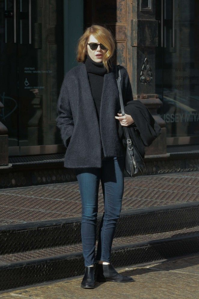 Emma Stone The Most Beautiful And Attractive Hollywood Actress See Her In Modern Dress Emma Stone Emma Stone Street Style Emma Stone Outfit Emma Stone Style