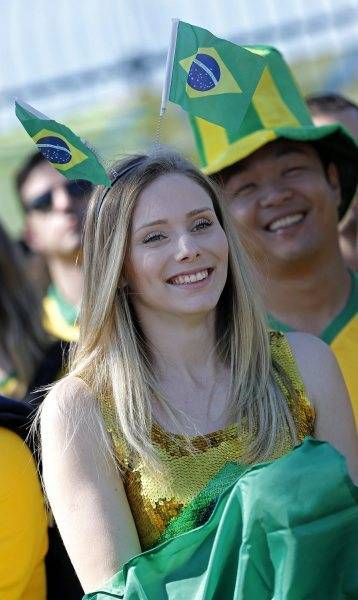 サッカー・ワールドカップ(W杯)ブラジル大会の開幕戦ブラジル-クロアチアを観戦しに訪れた女性サポーター(サンパウロ)(2014年06月12日) 【EPA=時事】 ▼12Jun2014時事通信 ワールドカップ美女サポーター 写真特集 http://www.jiji.com/jc/wcup2014?d=d4_ftbnnp=wbs214-jpp017342492s=photolist #Brazil2014 #Brazil_Croatia_group_A