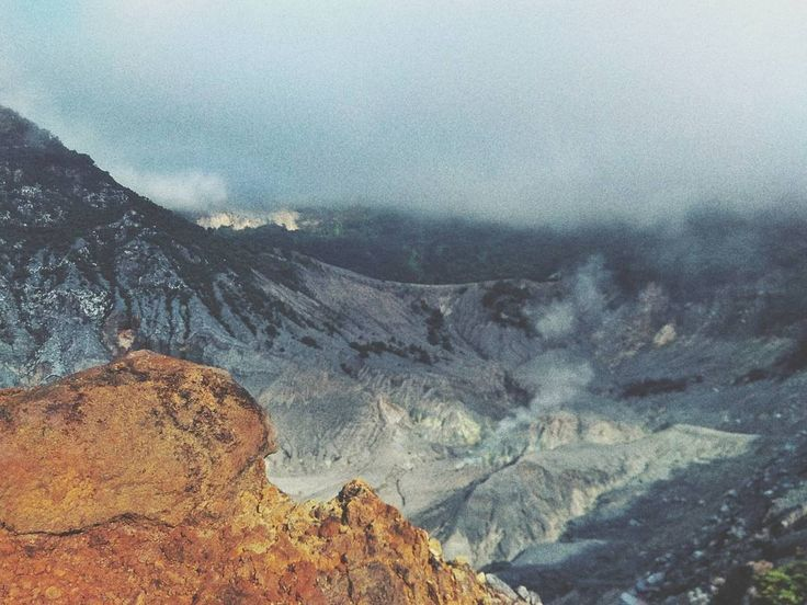 #pagi #kawah #tangkubanparahu #mountain #nature #tangkubanparahumount #hiking #hikingjabar #subang #jawabarat #indonesia