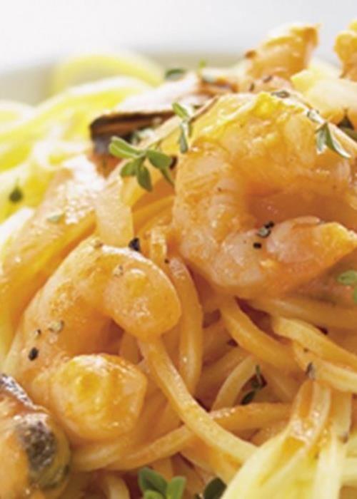esparguete fresco com molho de frutos do mar
