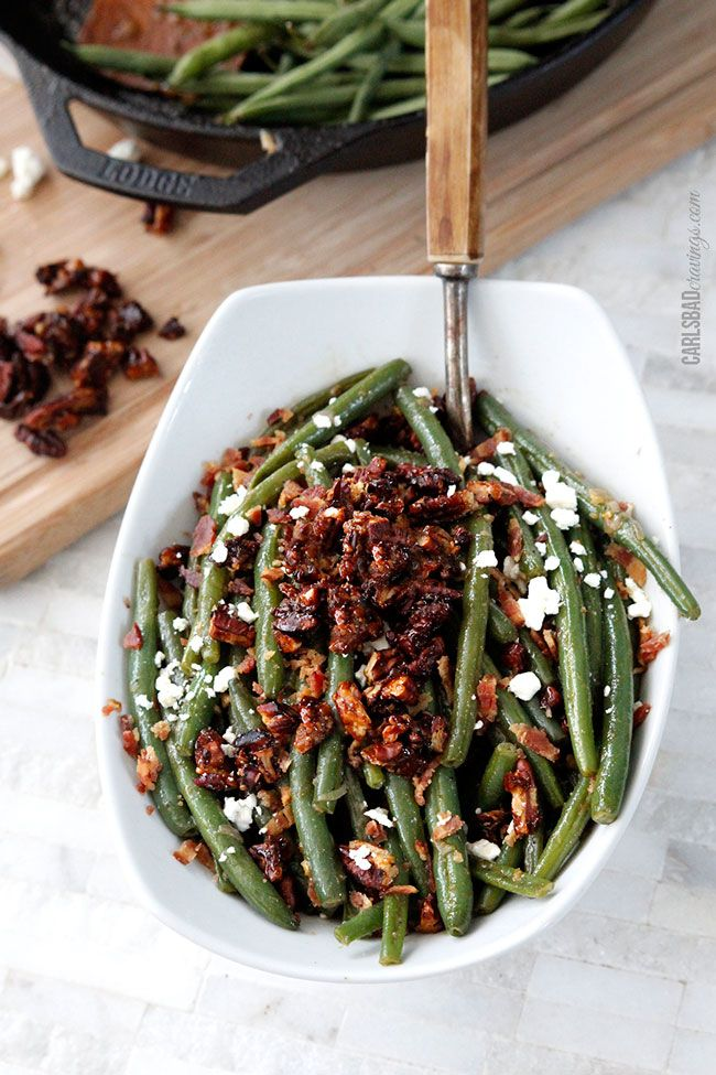 thanksgiving side dish: dijon maple green beans with caramelized pecans, bacon & feta