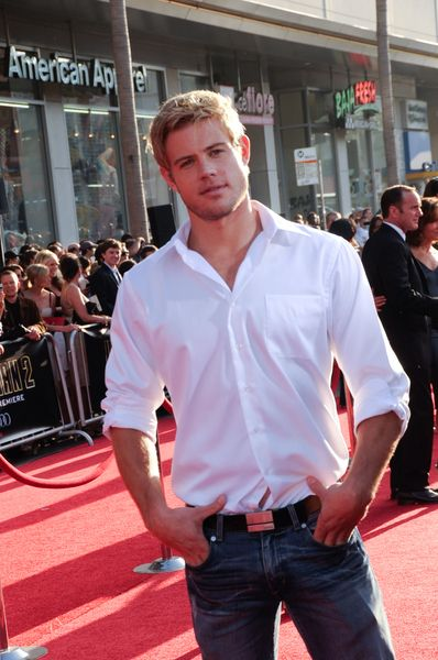 Hottie of the Day - Trevor Donovan... maybe teddy can be Christian grey?