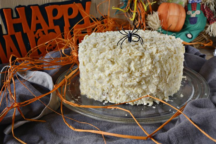 Ecco una dolce tentazione ispirata ad #halloween. Ideale anche per i più grandi ecco la Pumpkin Crunch Cake.  Clicca e scopri la ricetta...