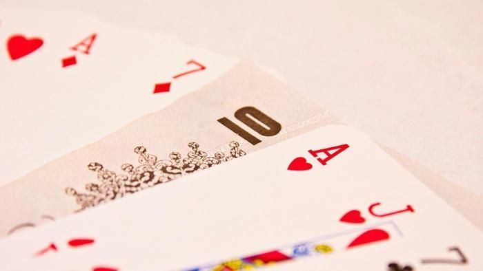 What are the rules for the Canasta card game?