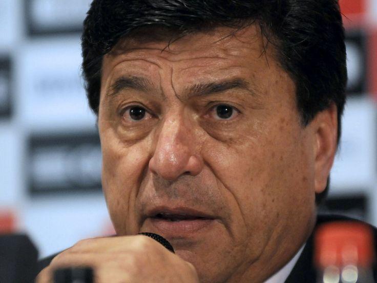 Daniel Passarella podría ser DT de otra banda roja, la Selección peruana