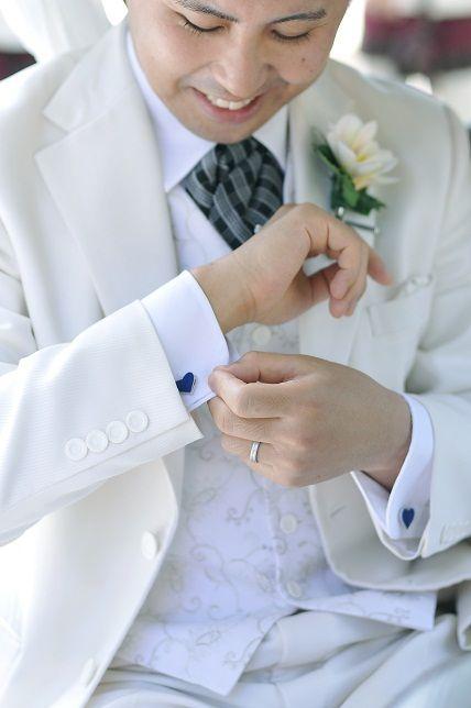 ちらっと見えるカフスにセンスを感じる☆結婚式・ウェディング・ブライダルで新郎が身に付けるカフス、おすすめのカフスまとめ。