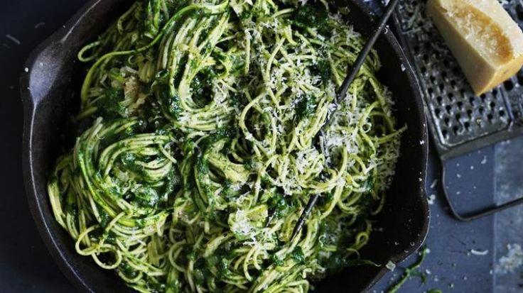Spaghetti with zucchini and spinach