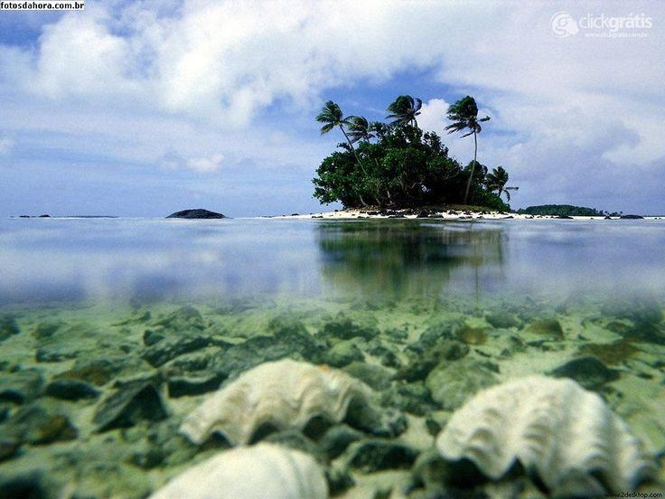 Papel de Parede - Ilha paradisiaca no meio do mar