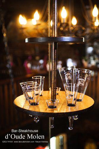 Onze hand geblazen glazen worden door middel van het drankenliftje naar boven gehesen @ d'Oude Molen, Nieuw Vennep