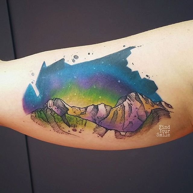 Mountain stuff. I don't usually do the space thing anymore but this turned out pretty cool! #electricink #ezcartridgeuk #electrumstencilproducts #theb…