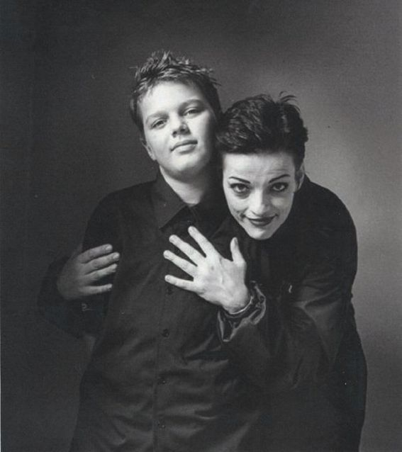 NINA HAGEN AND OTIS! THIS IS THE CUTEST THING!