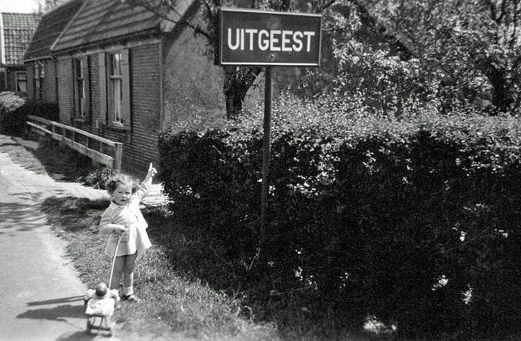 1956: Via de Tolweg kom je vanuit Heemskerk Uitgeest binnen.