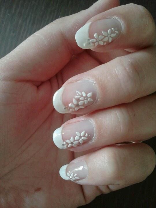 Nail Art.  Wedding. White tip flowers.