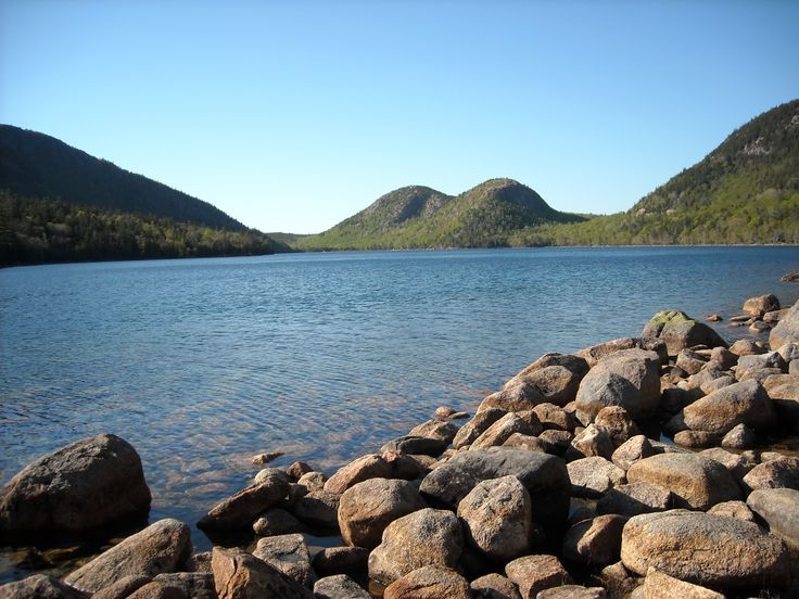 Jordan Pond and the Bubble Rocks in #Acadia National Park, Maine: http://visitingnewengland.com/blog-cheap-travel/?p=3779