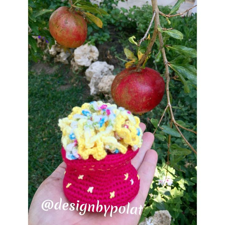 """68 Beğenme, 5 Yorum - Instagram'da designbypolat🍃👁👁🍃 (@designbypolat): """"Günaydınnn 🌺🦋💗🐘☀️ #designbypolat #örgü #çiçek #karanfil #crochet #crochetflower #örgümüseviyorum…"""""""