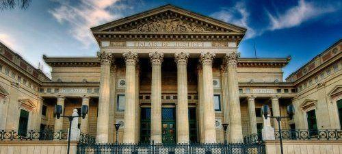 Un rapport dévoile les liens entre cinq banques et assurances françaises et les colonies israéliennes