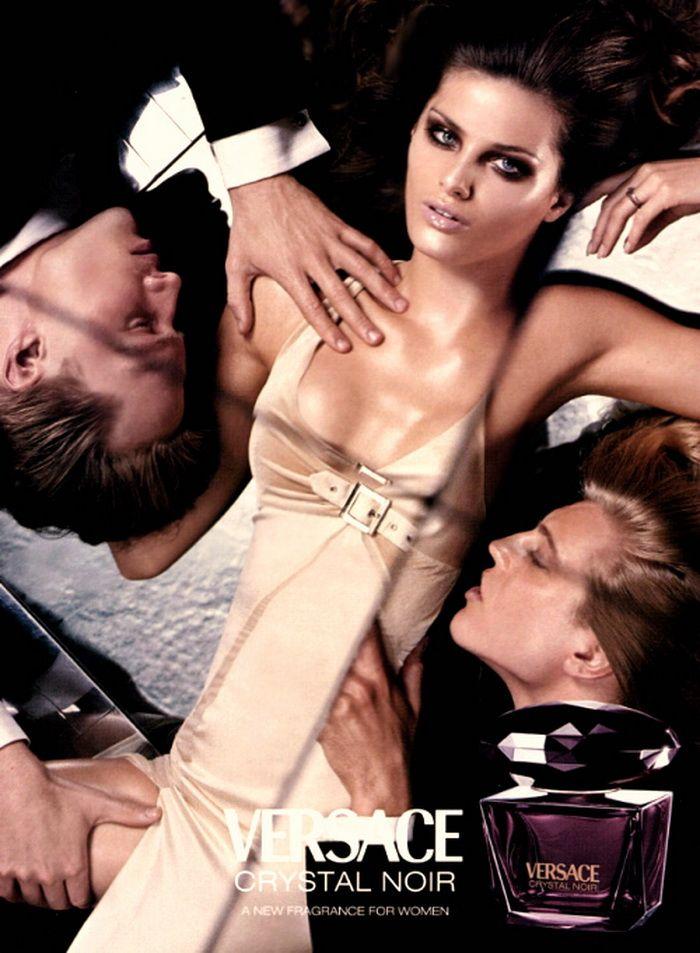 Versace Crystal Noir Parfume.