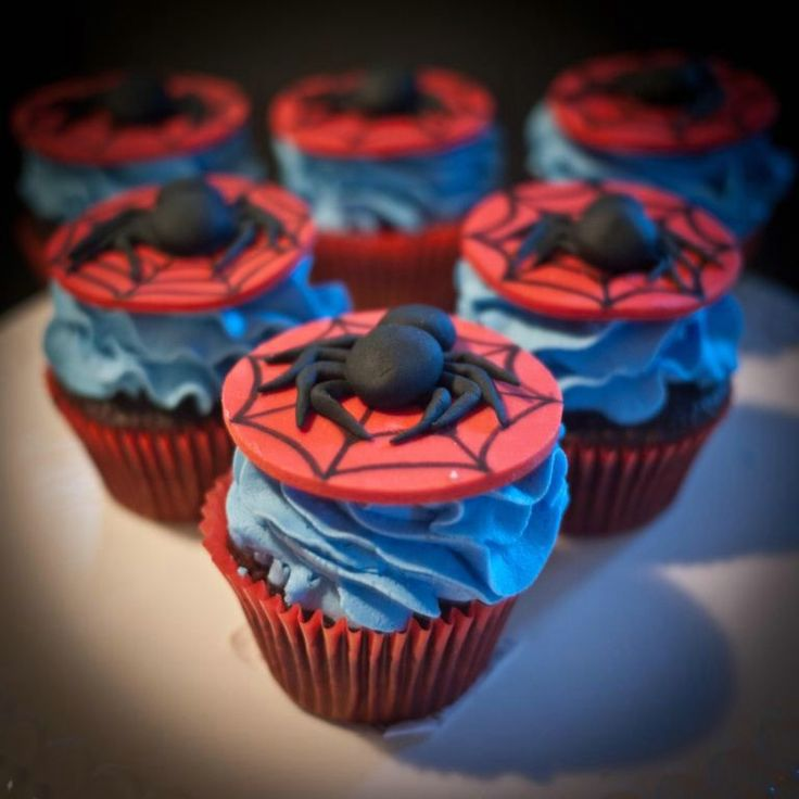 How To Make A Spiderman Cake With Cupcakes