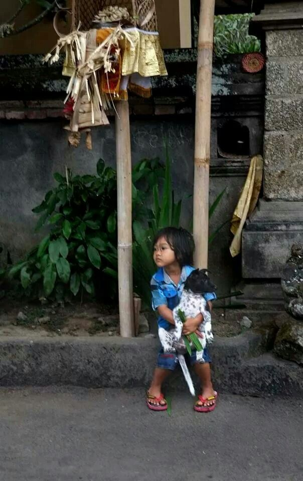 Little cuties via 'Ubud Now and Then' (FB)