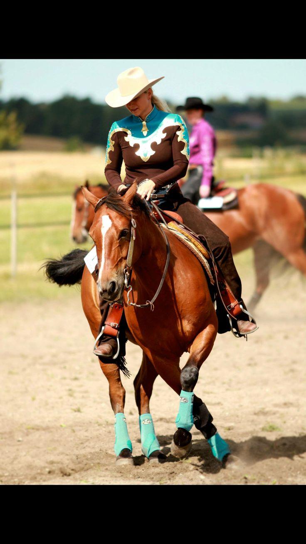 Pony Bueno // DLWR show summertime