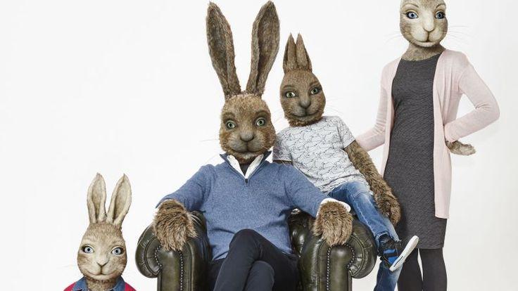 Een paashaas die samen met zijn gezin de eieren verstopt, leuk bedacht van de Hema vindt Marjolein Hurkmans. De LGBT-gemeenschap (Engelse afkorting die staat voor lesbian, gay, bisexual, transgender, red.) denkt daar heel anders over. Waarom is de haas geen homo? Nou eh... omdat ie nou eenmaal op vrouwen valt, misschien? Ook hetero's hebben bestaansrecht in Nederland.