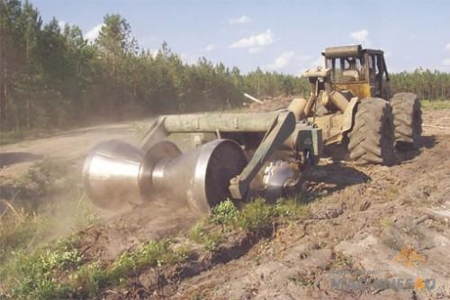 Savannah 156 Tomahawk 6-disk Bedding Plow - http://www.machines4u.com.au/browse/Farm-Machinery/Planting-Seeding-Tillage-194/