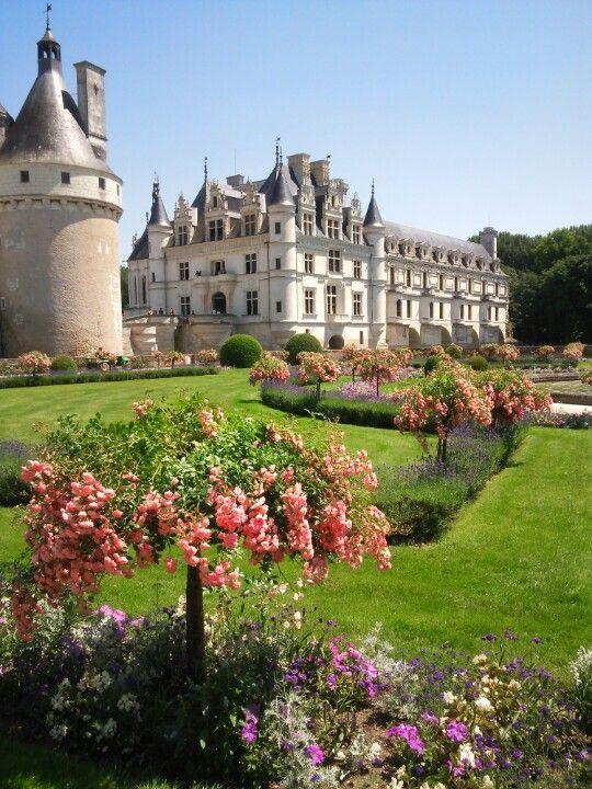 Chateau de Chenonceau ~ Loire Valley, France http://georgiapapadon.com/
