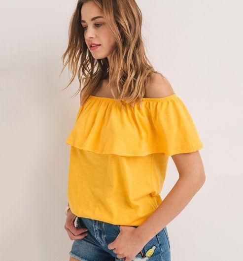T-shirt open shoulders