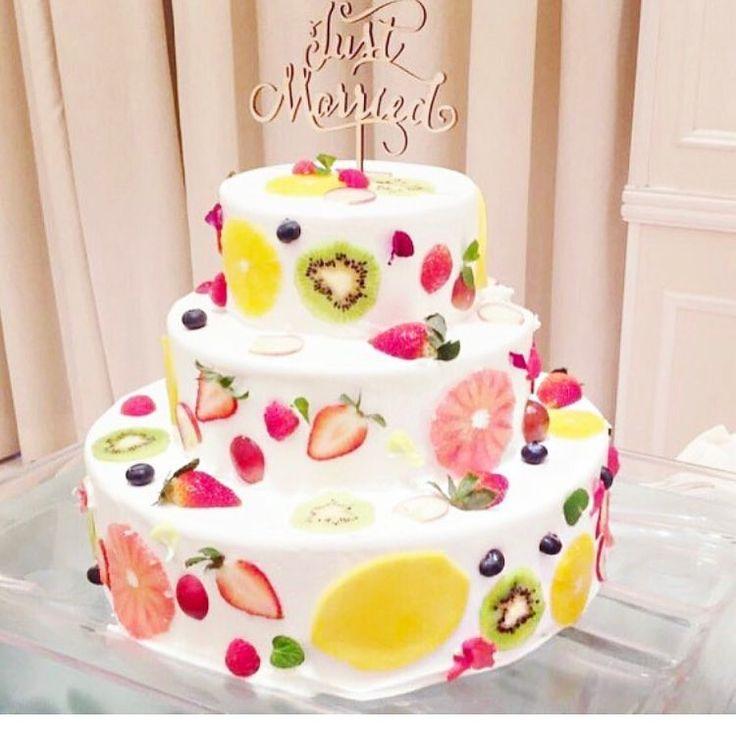 いいね!30件、コメント19件 ― na.wdさん(@wd.nana)のInstagramアカウント: 「* * * こんなケーキしたいなぁ❤️ * プラン内の生ケーキは 一体どんなのなんでしょう。 一段かな? * I wanna choice the fruits cakes such…」