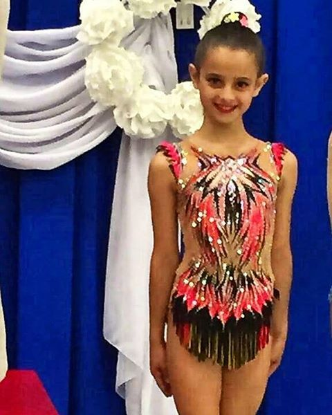Comenzamos la semana con esta preciosa foto de Adriana del Club Jusco GRC (Canadá)❤❤ guapísima como siempre!! #SlaterMaillots #rhythmicgym4life #rhythmicgymnastics #gimnasiaritmica #maillot #leotard #Canada #work #leo #sport #cristales #boreal #paint #decoracion #gimnasta #gymnast #beautiful #colours #power #girls #crystals #flex #flexibility #flexible #gymnastics #competition #elegant