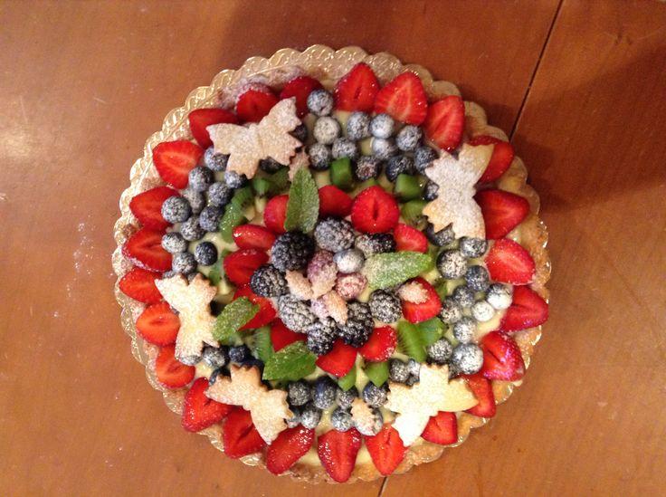Crostata estiva con crema e frutta