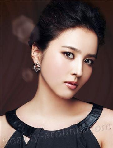 South Korean actress Han Hye Jin photo