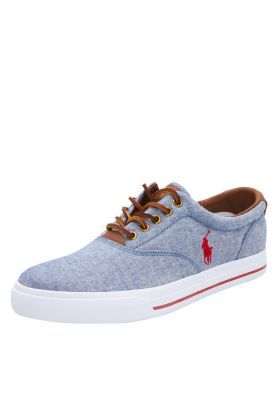 Casual style at its best! With a low top construct and canvas upper, these cool sneakers exude a classy Polo appeal. Great choice for a laidback yet extremely trendy look.