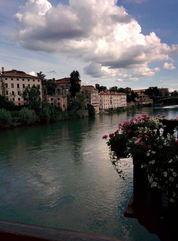 Bassano del Grappa: Palazzo Sturm affacciato sul Brenta