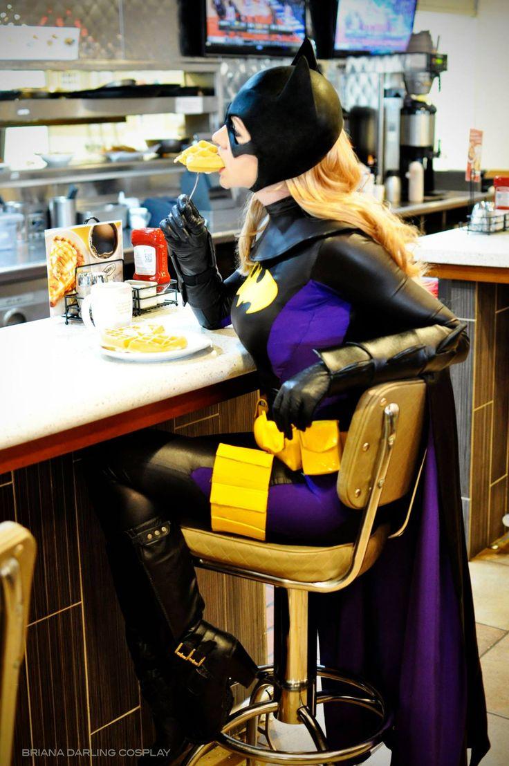 Character: Batgirl (Stephanie Brown) / From: DC Comics 'Detective Comics' & 'Batgirl' / Cosplayer: Briana Roecks (aka Briana Darling)