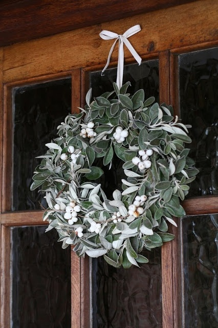i'm want to make this winter wreath