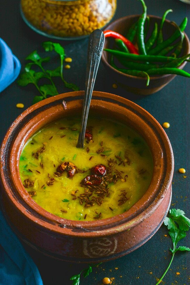 Pigeon peas cooked with mild spices and milk.A special recipe from Awadhi cuisine.