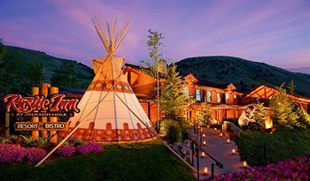 Relax and socialise with fellow guests in the unique teepee at The Rustic Inn Creekside Resort and Spa at Jackson Hole. The resort also offers a winter shuttle to the nearby ski runs.