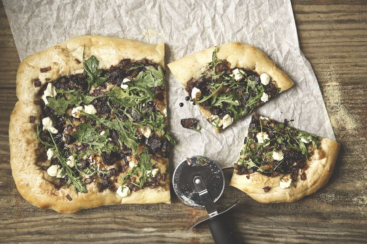 Caramelized Onion and Fig Pizza