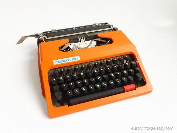 Vintage-Design Orange Schreibmaschine Robotron DDR 70er Jahre 80er Jahre
