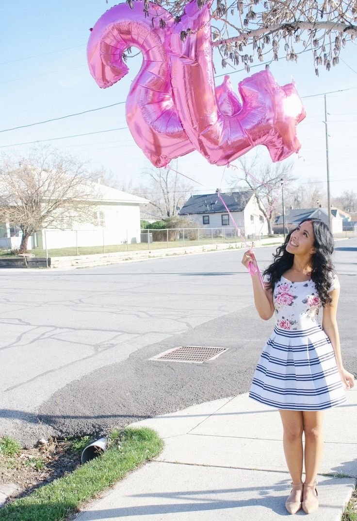 Number Balloons // Spring Outfit