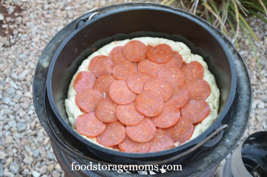 How To Make And Cook Dutch Oven Pizza | by FoodStorageMoms.com