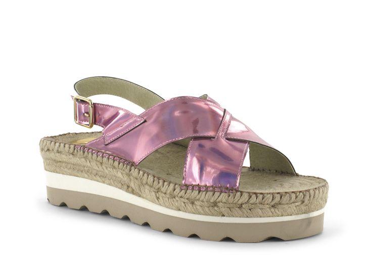 #Alpargatas #Espadrilles Modelo 1411 Delia. #Sandalias todoterreno que brillan como tú. Prepara tus pies porque llega la hora de enseñarlos.