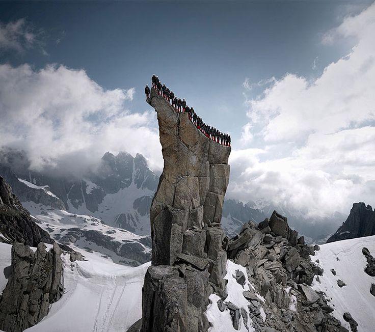 Cientos de alpinistas suben los Alpes para la épica sesión de fotos - POP-PICTURE