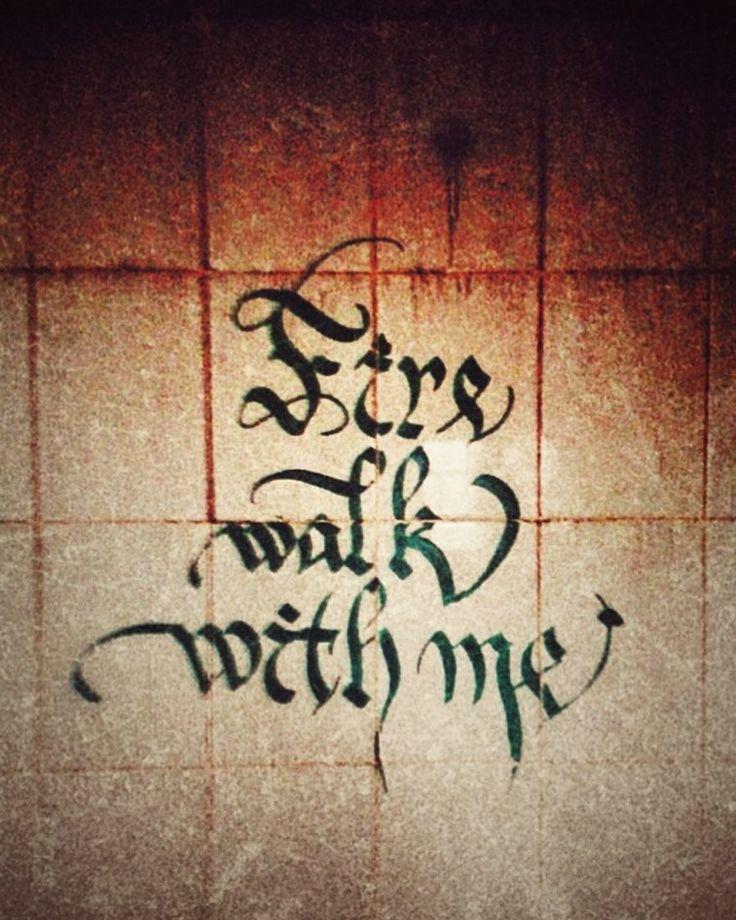 #typeeverything #typespire #twinpeaks #firewalkwithme #calligritype #calligraphy #calligraphyart #calligraffiti #ontherun #handwriting #handmadefont #typism #typeyeah #graffiti #каллиграфия #каллиграффити #murmansk #мурманск