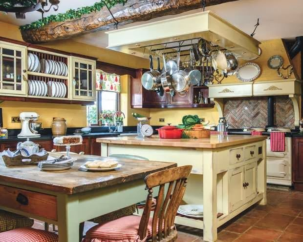 LISMARY'S COTTAGE with a traditional AGA