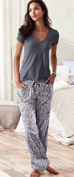 cute pajama set  http://rstyle.me/n/ug4bnpdpe