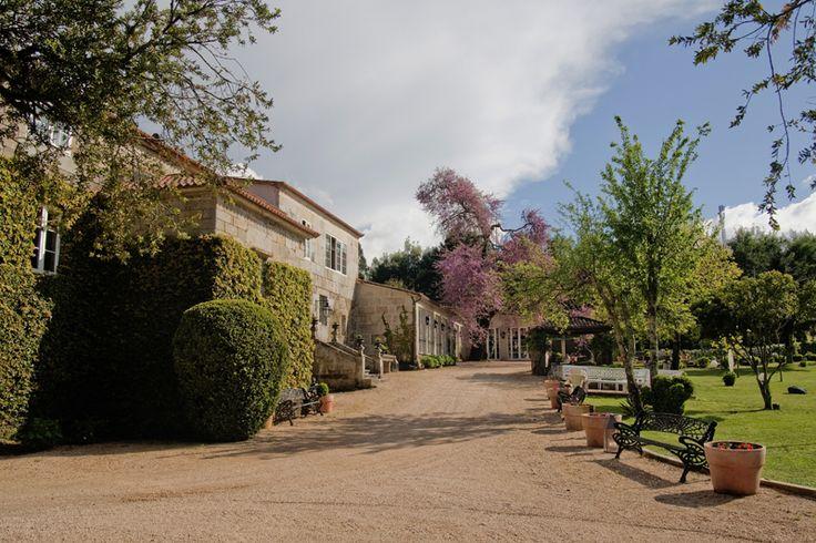 En esta bodega ubicada en la localidad pontevedresa de Meis nace uno de los mejores vinos blancos de España. Pazo de Señorans.