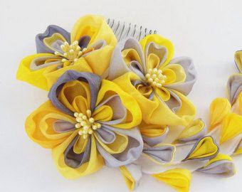 Items similar to Organza Flower Comb Tsumami Kanzashi on Etsy